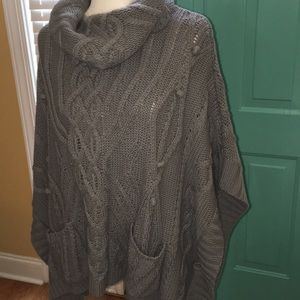 Poncho gray cable knit with Pom poms and pockets
